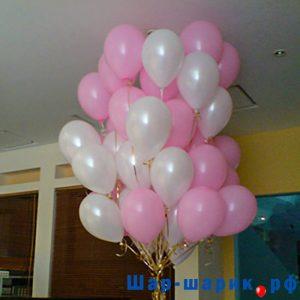 Облако шаров пастель белые и розовые