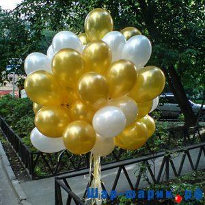 Облако шаров металлик белые и золотые